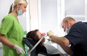 Institut Dentale Sedierung, Kurs Lachgas,Kurs Fortbildung Zahnärzte, Notfalltraining, Dr.Mathers,